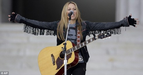 Sheryl Crow teamed up with will.i.am and Herbie Hancock to perform Bob Marley's One Love